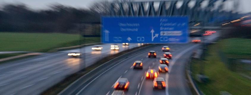Autobahn (Foto: Dirk Vorderstraße)